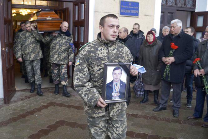 У Вінниці прощались з солдатом, якого вбили в серпні