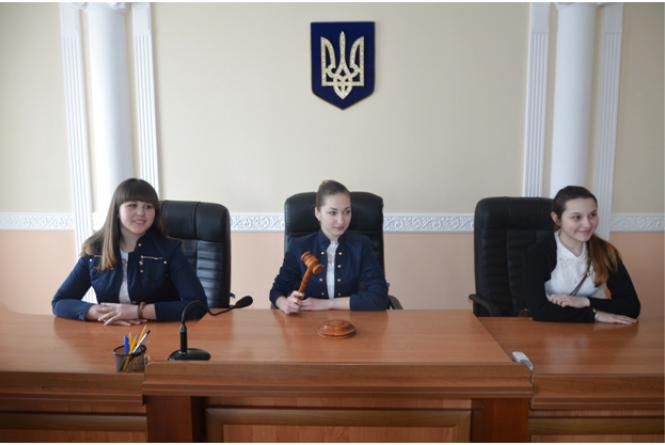 Учні з Вороновиці на власні очі побачили суд європейських стандартів (ПРЕС-СЛУЖБА ВААС)