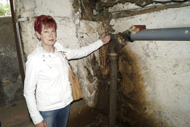 Що робити коли в багатоповерхівці прорвало каналізаційну трубу