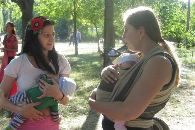В Парку Дружби народів розповідали, як поєднувати материнство і роботу