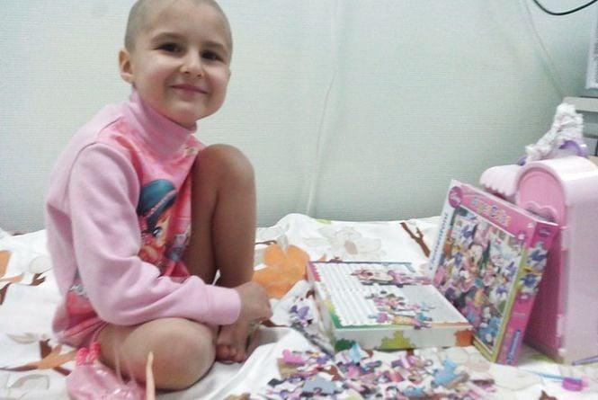 Допоможіть чотирирічній Єві побороти онкологію
