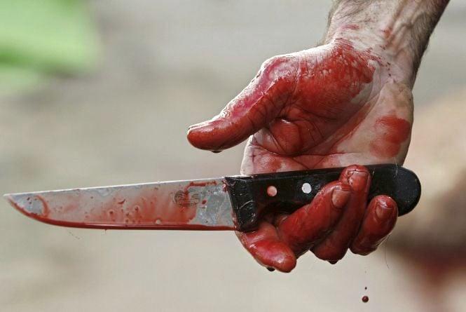 Прохожие обнаружили погибшую от ножевых ранений женщину