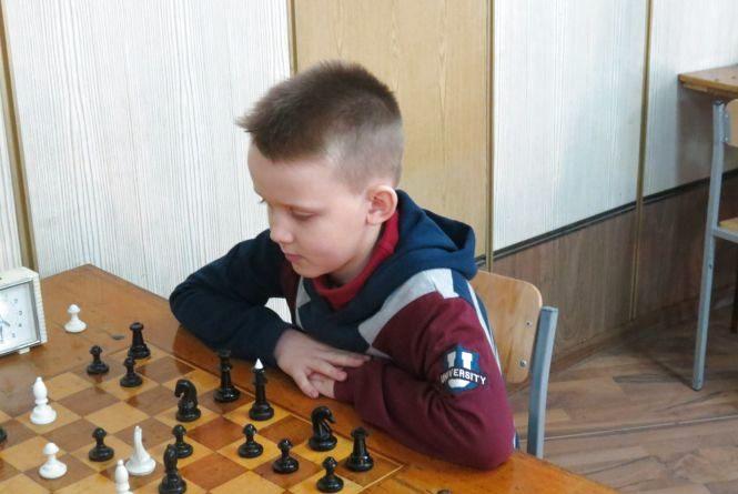 Чемпіонат Вінниці серед вундеркіндів виграли шаховий «романтик» і онук тренера