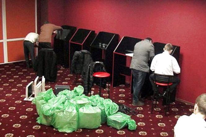 """Вчора у Вінниці був великий """"шухер"""" – поліція арештувала гральні автомати"""