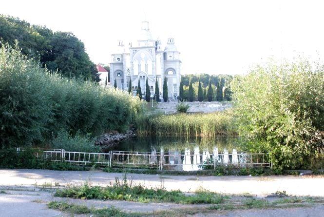 Вінничани просять відновити Озеро Миру біля храму баптистів на Максимовича