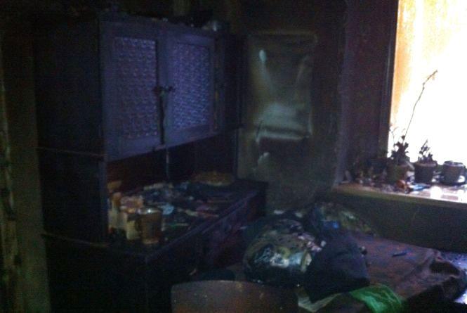Пожежа в Гнівані: через куріння евакуювали 30 людей з гуртожитку (ФОТО)