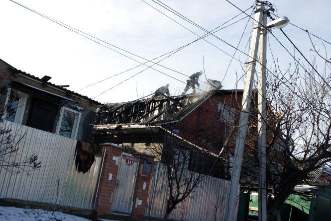 «Ми залишилися в тому, в чому тікали від вогню». Згорів будинок родини,  в якій 7 дітей