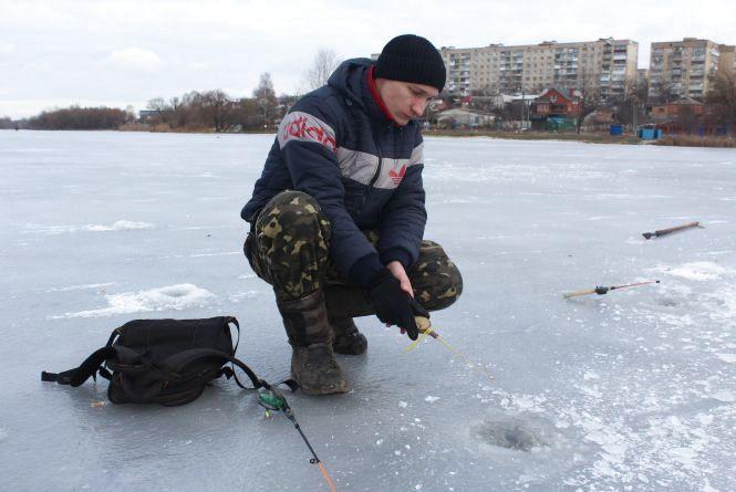 Лід на Південному Бузі тонкий: рибалити небезпечно і нема сенсу