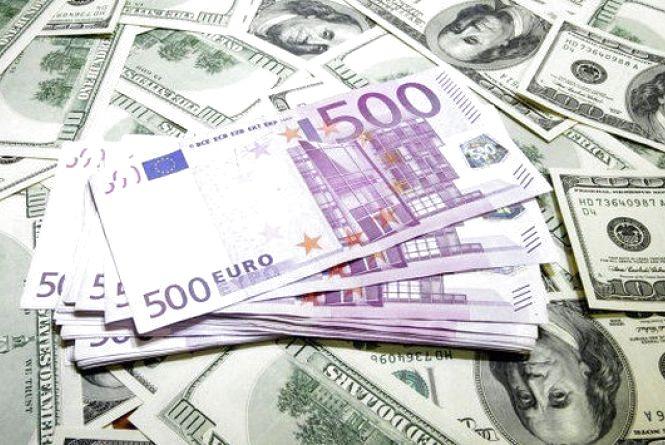 Курс валют від Нацбанку на 6 січня. Долар і євро дешевшають