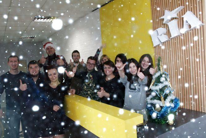 Редакція RIA вітає вінничан з Різдвом Христовим! Якісних та гарних новин вам!