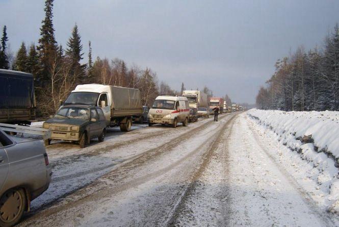 На Вінниччині вантажівка «ДАФ» через ожеледицю паралізувала рух транспорту