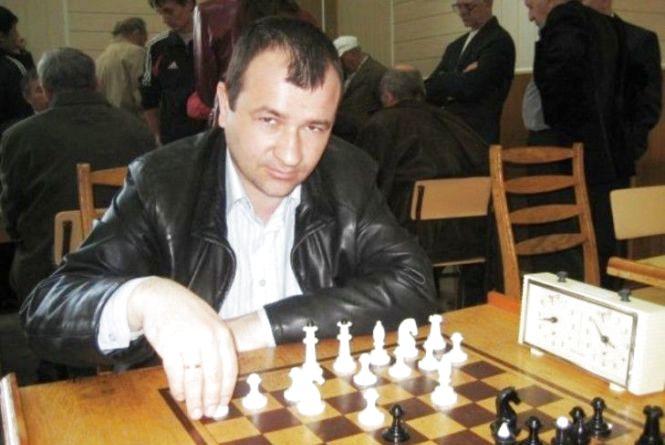 Директор Вінницької шахової школи Микола Боднар став чемпіоном міста. Виграв третій турнір поспіль!