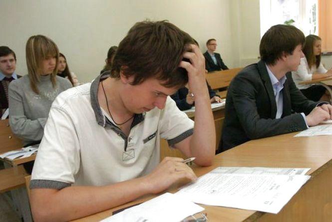 Одинадцятикласники складатимуть випускні іспити у формі ЗНО