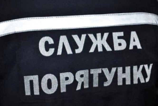 На Вінниччині 48-річний чоловік впав в яр. Його діставали четверо рятувальників
