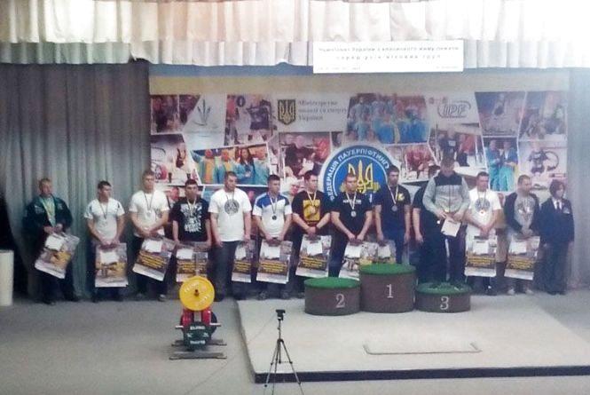 Максим із Вінниці здобув срібло на чемпіонаті України з пауерліфтингу