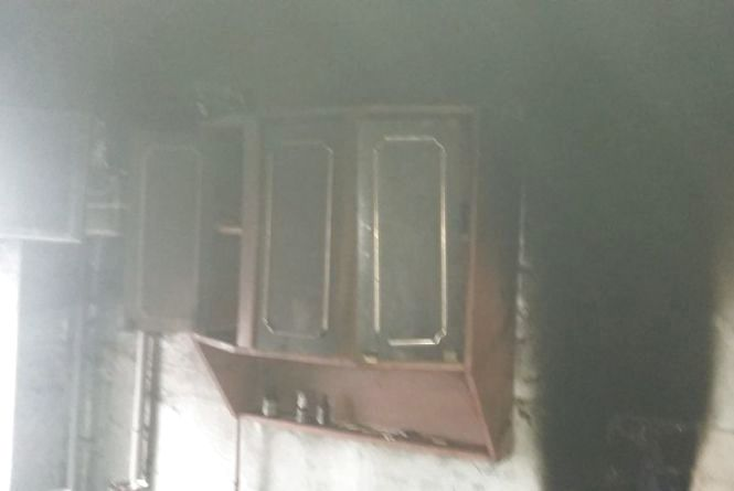 У Козятині на Героїв майдану горіла квартира у п'ятиповерхівці. ФОТО