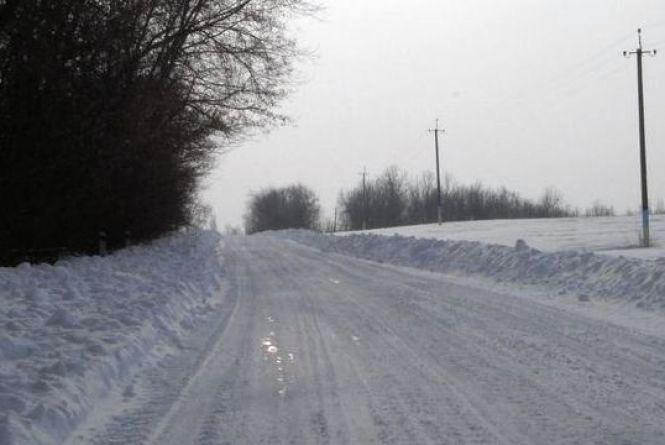 Дорога та тротуари – скло та каток! На Вінниччині обмежили рух автобусів