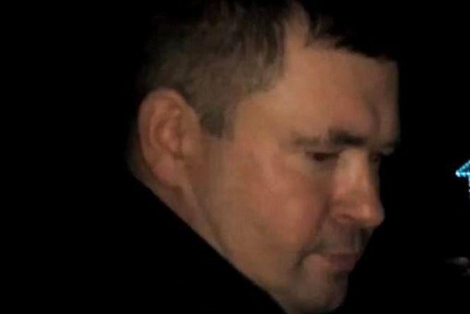 У Липовці держслужбовець намагається «вирішити» за свого п'яного родича