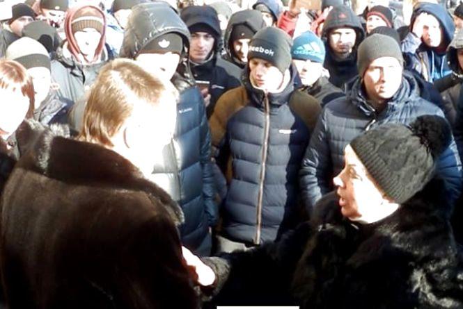 Майдан в Могилів-Подільському: людей дістали злочини оточення мера (ВІДЕО)