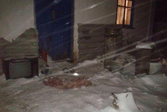 У Качанівці чоловік до смерті забив свого сусіда. Усе через жінку