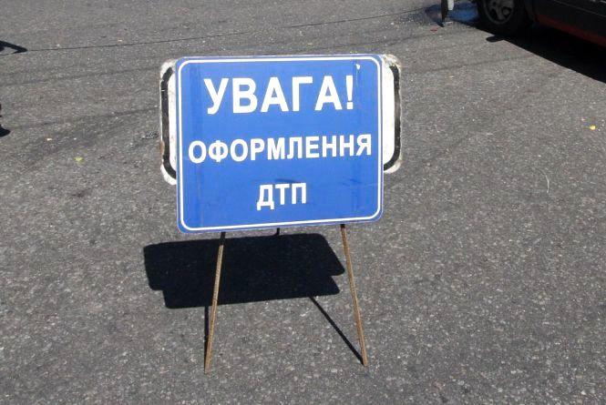 ДТП на Київській: зіткнулися Део та вантажівка «МАЗ». Є постраждалий