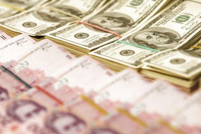 Заробили 60 000 $. Як банда шахраїв «кинула» двох вінничан на обміні валюти