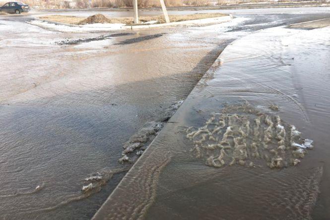 Автівки плавають, як кораблики —  шокуючі фото та відео повені в Вінниці