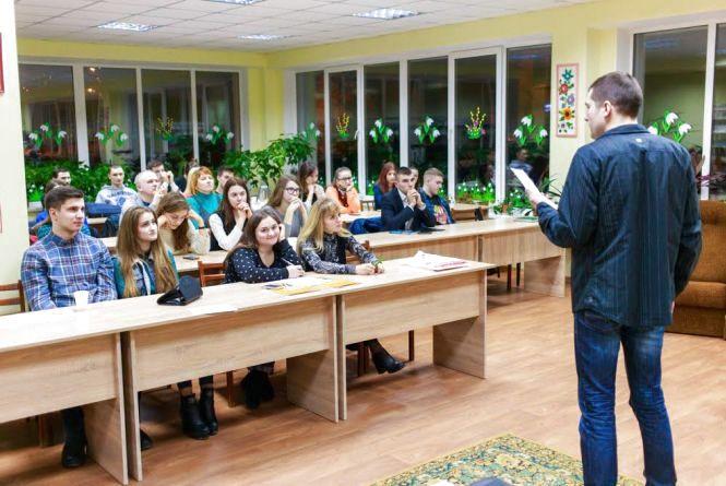 «Наодинці з думками» - у Вінниці будуть регулярно популяризувати українську мову