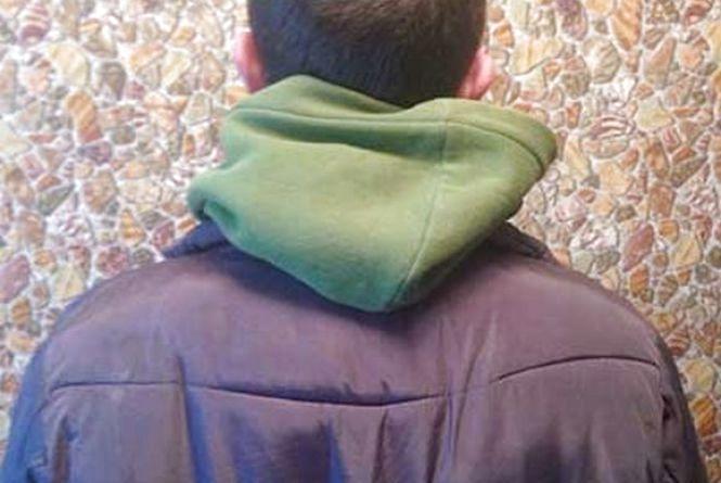 В Немирові четверо гопників збили чоловіка з велосипеда та відібрали продукти