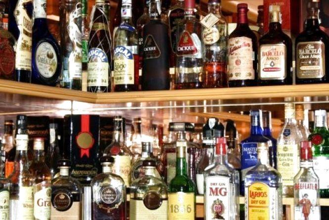 Пиво, вино та горілка: в Україні знову подорожчає алкоголь