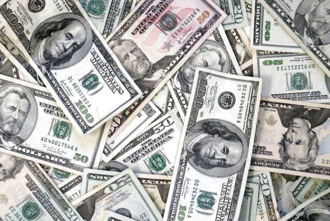 Курс валют від НБУ на 3 березня. Долар і євро дешевшають