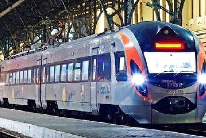 Новий розклад поїздів «Інтерсіті», які курсують через міста Вінниччини