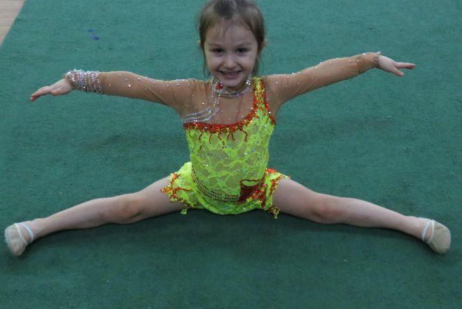 Пройшов турнір з гімнастики. Наймолодшій учасниці – три роки