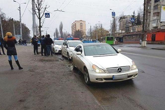 Поліцейські «по гарячих слідах» піймали «домушників», які втікали зі Стрижавки (ФОТО)