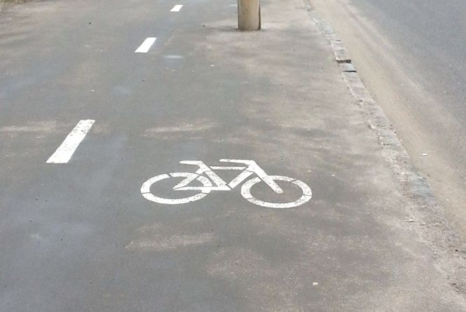 ФОТО дня: на Тяжилові облаштували спеціальну велодоріжку з перешкодами