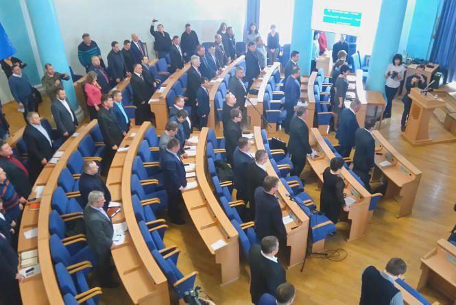 Облрада ухвалила звернення до Верховної Ради, але викинула звідти Авакова та поліцейських
