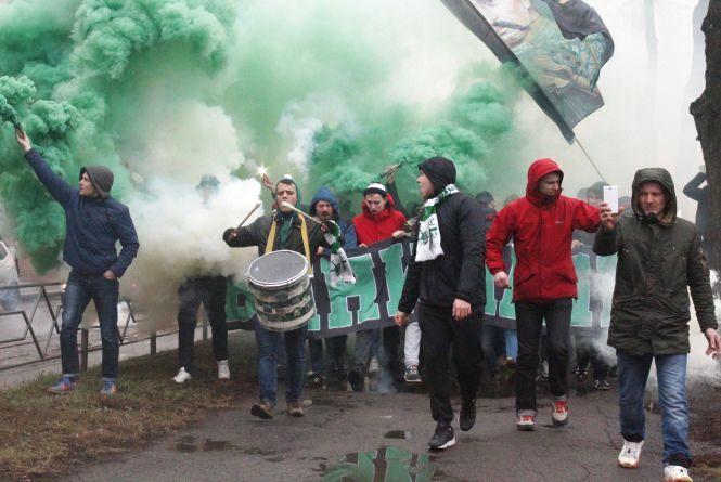 Футбольні фанати влаштували ефектний марш Вінницею (ФОТО, ВІДЕО)