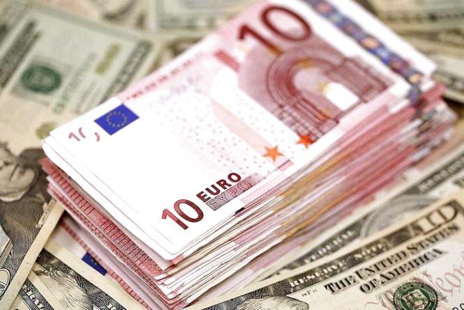 Курс валют від НБУ на 20 березня. Долар і євро падають