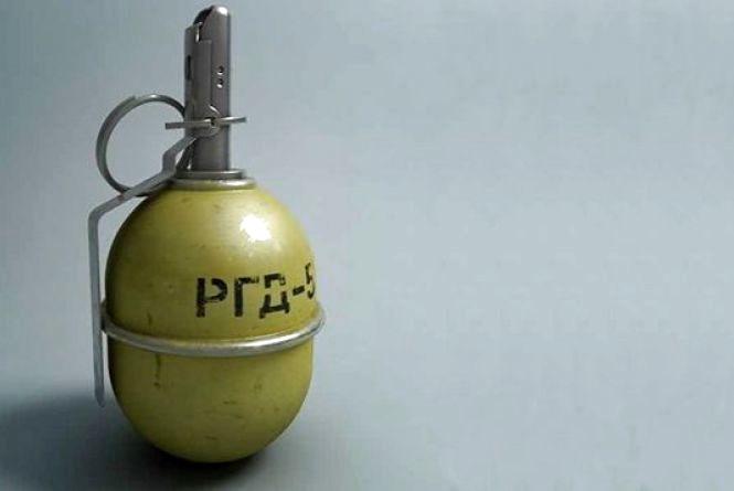 Калинівчанин знайшов у лісі гранату РГД-5. Знахідку сховав у шафі