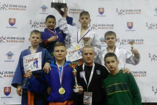 Вінницькі дзюдоїсти привезли медалі зі Словаччини