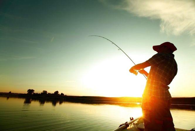 Ловити рибу і раки з 1 квітня не можна та не скрізь. Перелік водойм