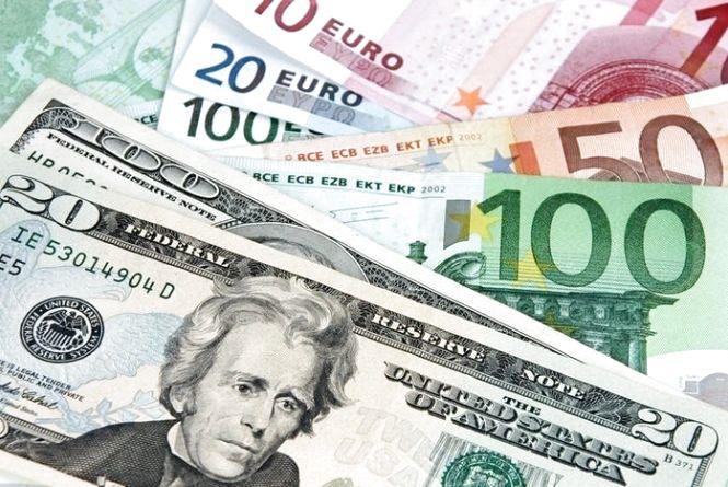 Курс валют від НБУ на 10 квітня. Долар та євро знову падають