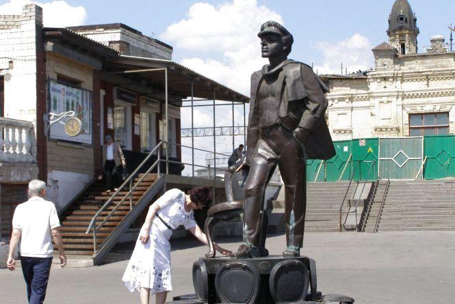 «Або я, або Бендер!..» - Депутат шукає пам'ятник із Жмеринки
