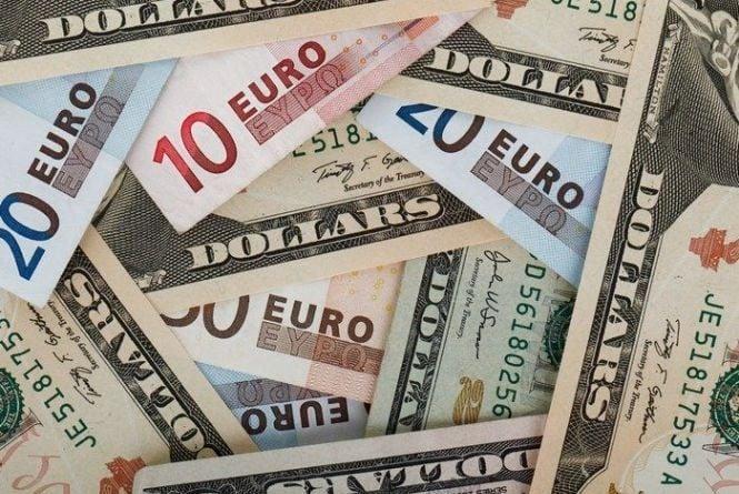 Курс валют від НБУ на 24 квітня 2017: долар і євро дешевшають