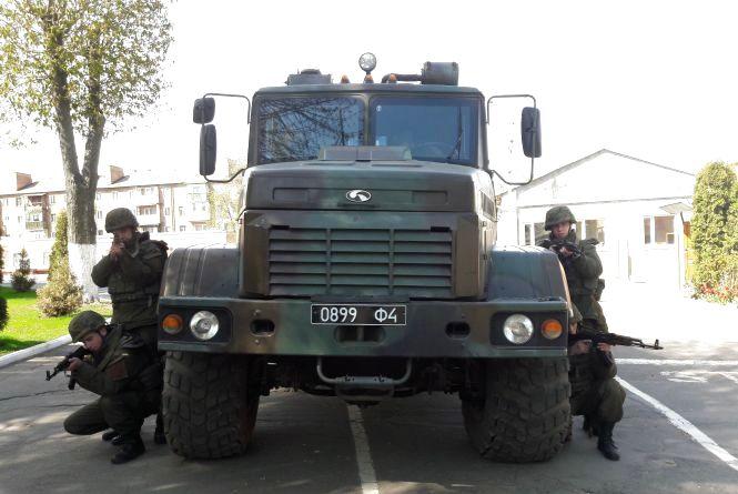 Нацгвардійці у Вінниці відбили напад на КПП і штаб військової частини