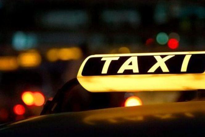 «Дєвушка, можна машинку» Вінницькі таксисти обіцяють перейти на українську