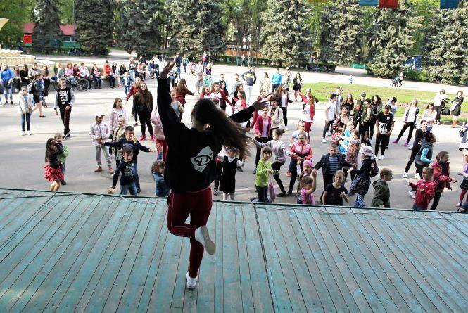 Dance Festival: у Вінниці пройшов танцювальний флешмоб