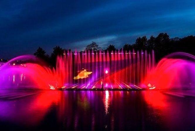 """Чим фонтан """"Рошен"""" буде дивувати туристів цього року? (Програма і час роботи)"""