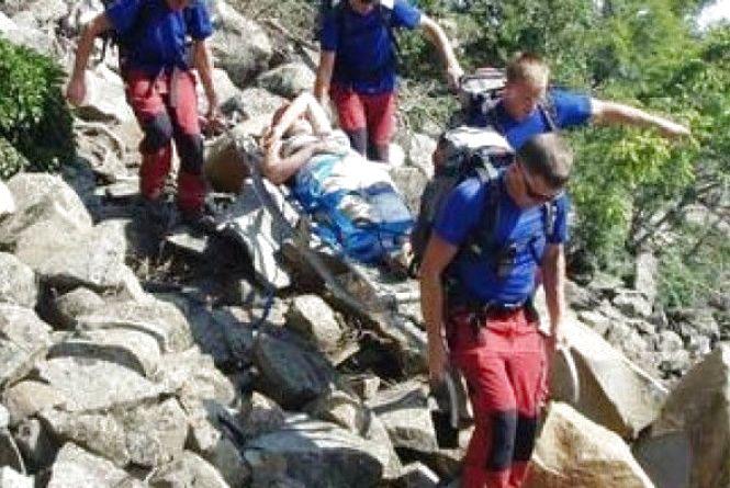 Шестеро гірських рятувальників знімали з Говерли 15-річну вінничанку