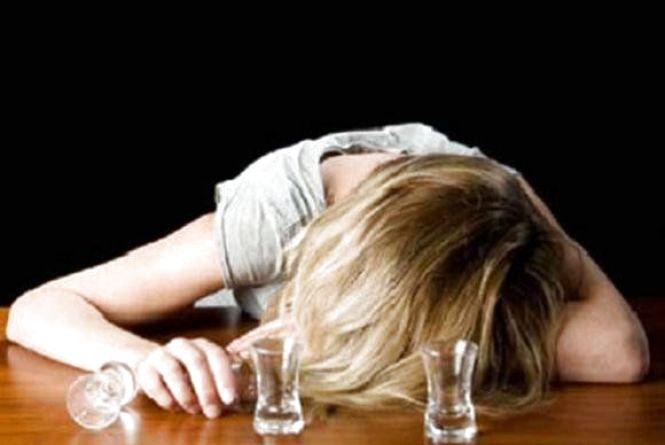В вінницькому клубі дві дівчинки так напились, що їх довелось відкачувати